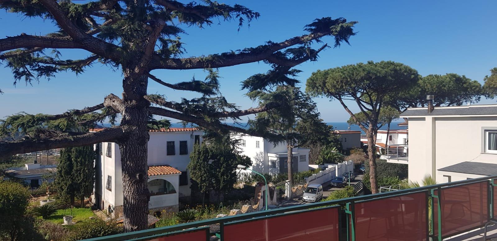 Monteruscello, In Parco, Villa Bifamiliare 280mq Panoramica, Giardino 500mq, Terrazzi, Cantinola, 2 Posti Auto Coperti