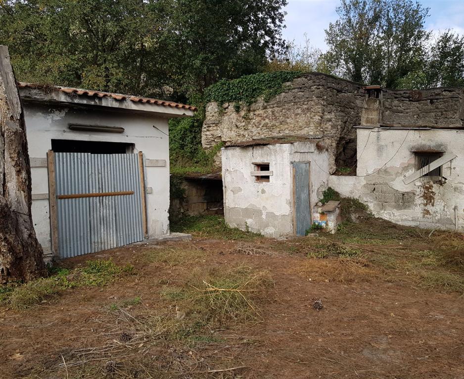 Pozzuoli, Via Vicinale Campana, Complesso Rurale che si estende su 130mila mq, ottimo per varie soluzioni.